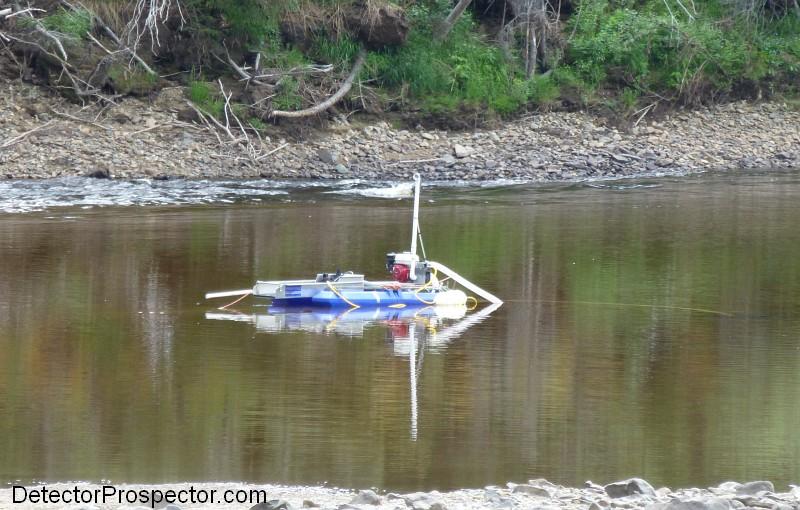 gold-dredge-on-fortymile-river.jpg