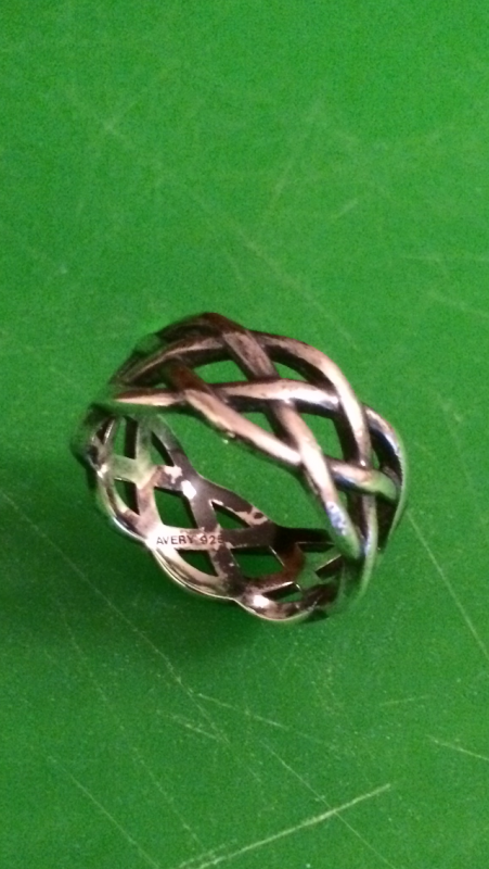Avery 925 Silver Ring.png