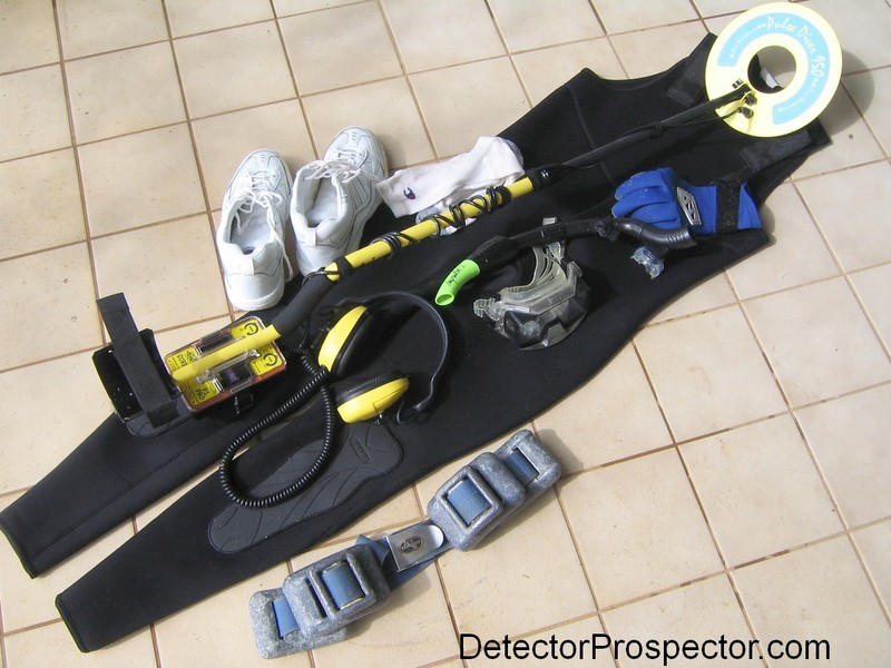 equipment-for-metal-detecting-beach-surf.jpg
