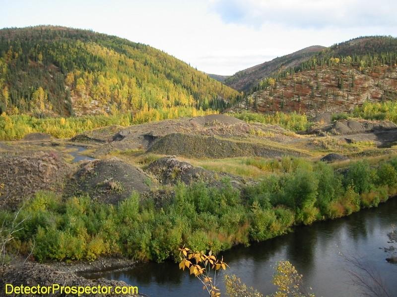 ganes-creek-alaska-fall-colors.jpg