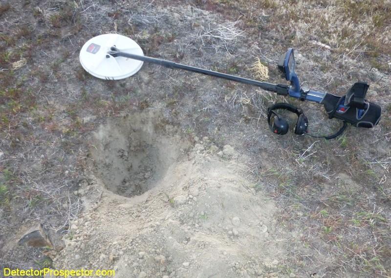 minelab-gpz-7000-nugget-excavation.jpg