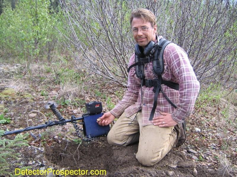 tom-finds-gold-specimen-moore-creek.jpg
