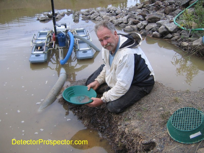 gold-panning-suction-dredge.jpg