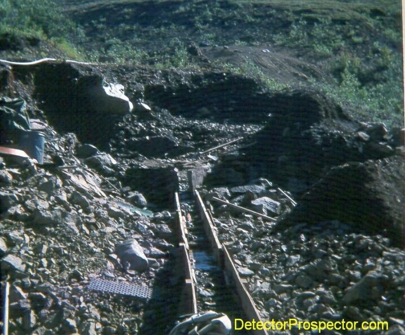 shovel-in-sluice-mining-cut-1974.jpg