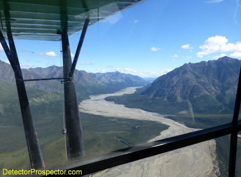 chisana-river-cuts-through-mountains.jpg