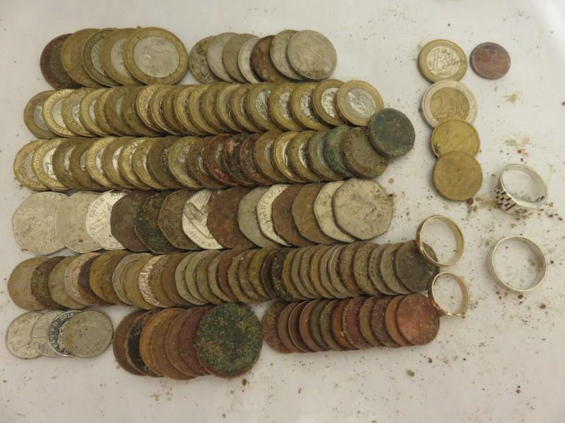 41) £65.97p PLUS 9k 2.2g GOLD RING PLUS 14k 3.8g GOLD RING FOUND 25-07-19 ET.JPG
