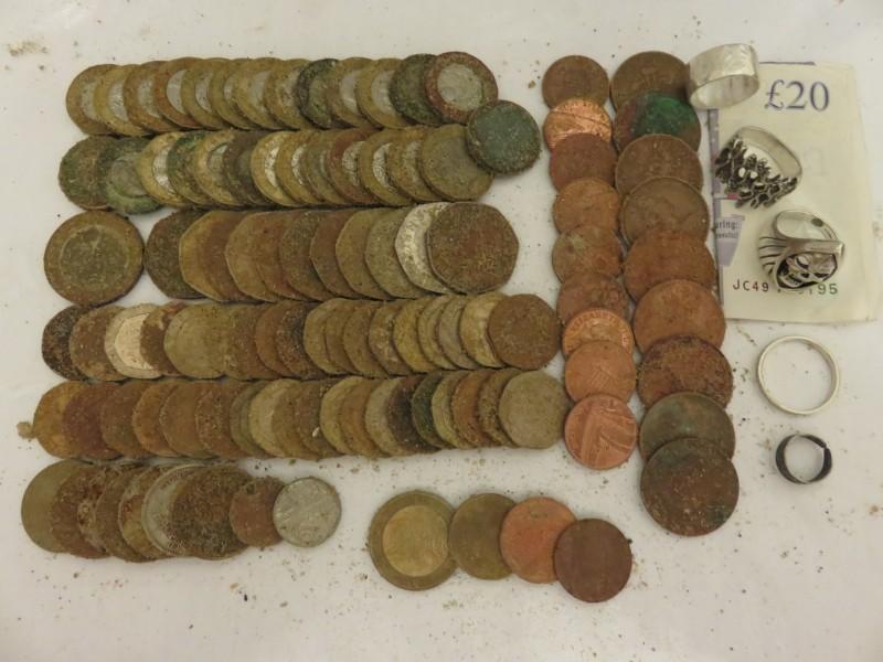 40) £62.97p plus PLATINUM RING (RETURNED) FOUND 24-07-19 ET.JPG