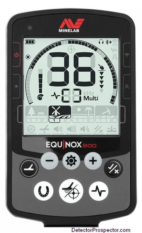 minelab-equinox-underwater-wireless-metal-detector-display.jpg