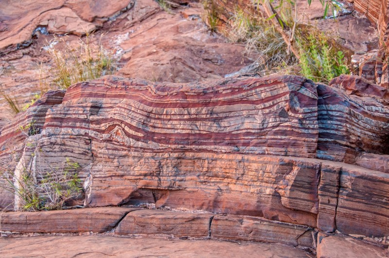 Banded_iron_formation_Dales_Gorge.thumb.jpg.63c960f27e9a3c1c878c4f51d79f55b4.jpg
