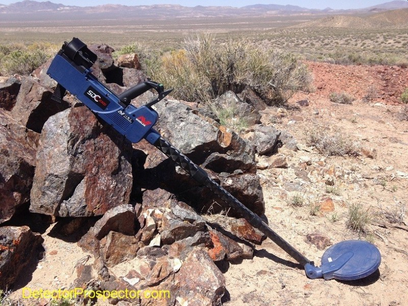 minelab-sdc-2300-metal-detector-nevada-desert.jpg