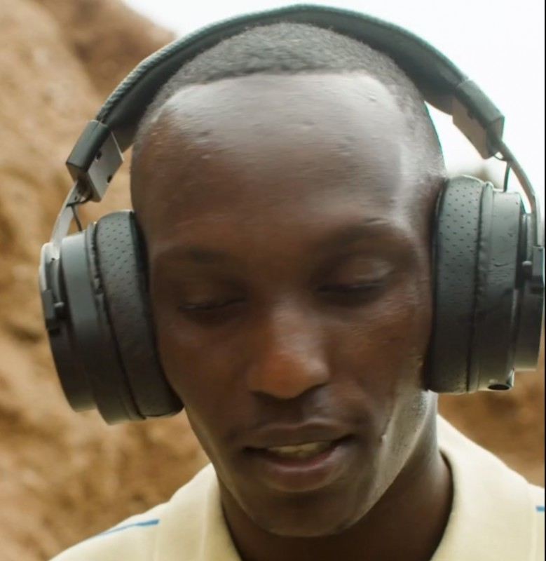 minelab-gpx-6000-wireless-headphones-closeup.jpg