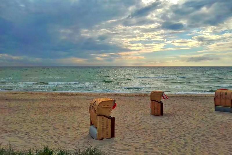 655435753_beachchair.thumb.jpg.ea009497398c3bba9e9611c269442101.jpg